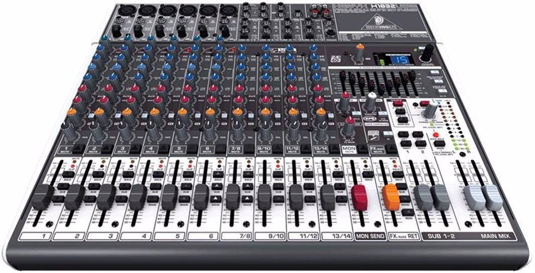 Resultado de imagem para mesa de som qx1832