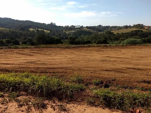 r areas plainas 500 m²  c/ água, luz e portaria em ibiuna