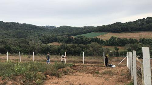 r areas plainas 500 m²  com água, luz e portaria em ibiuna