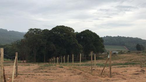 r terrenos p/ chácaras com portaria com água-luz em ibiúna