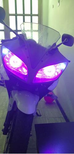 r15 deportiva moto