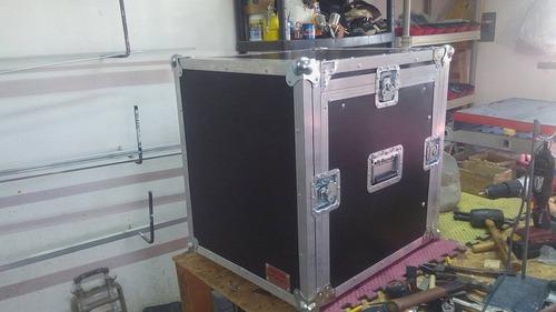 rack 6 espacios y mixer arriba nuevecito $ 4.400