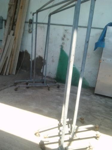 rack colgador de ropa