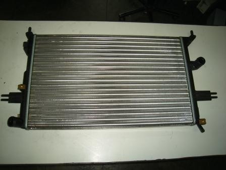 radiador astra 1.8 2.0 hatch s/ar 98/...