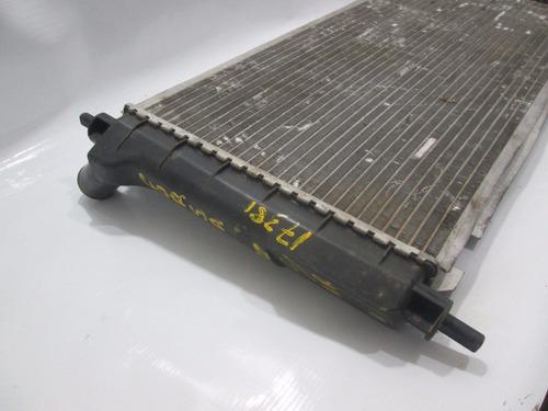 radiador corsa 1.0 1.6 98/02 com ar original 17381