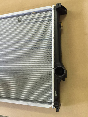 radiador de agua bmw 316i 318i 320i 323i 90/99 con deposito