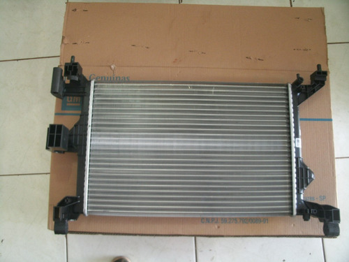 radiador de agua do motor onix/prisma novo 52081702
