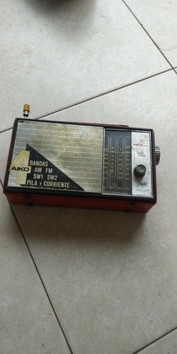 radio antigo aiko japones 4 faixas no estado, sem garantia !