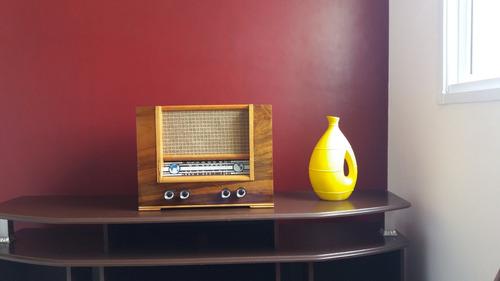 radio antigo restaurado marca assumpção de 1946