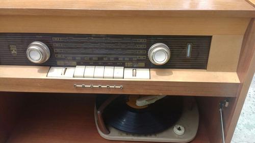 radio antigua am  grundig + toca disco combinado