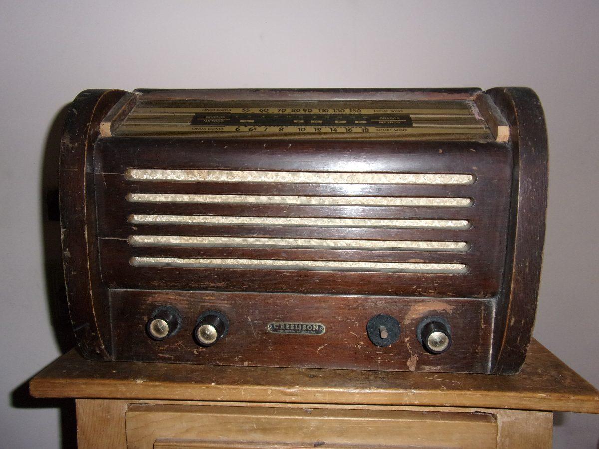 Radio antigua de madera en buen estado de conservaci n en mercado libre - Fotos radios antiguas ...