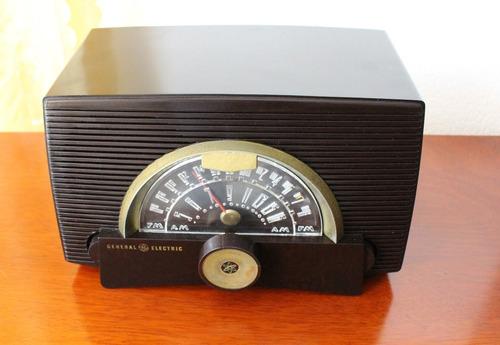 radio antiguo de bulbos general electric año 1950