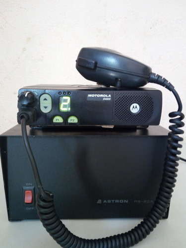 radio base em200 uhf 40w lam50rpc9aa1an fuente astron rs-20a