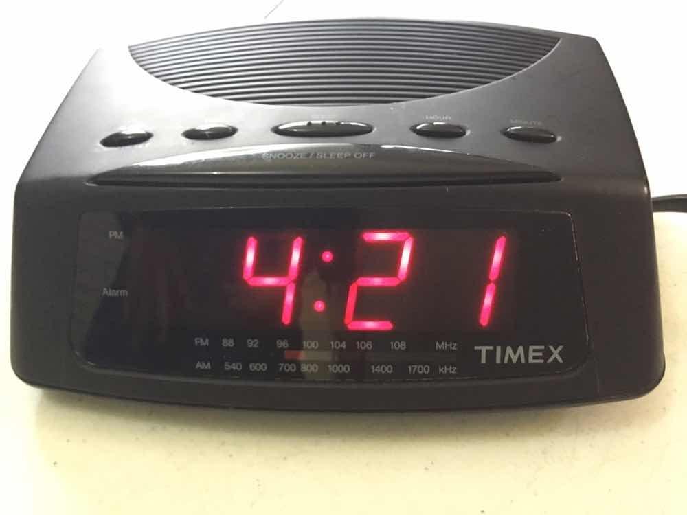 8677a3967263 Radio Despertador Timex Con Am Y Fm Con Mínimo Detalle -   450.00 en ...