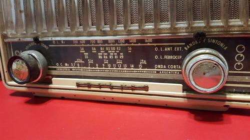 radio phillips de baquelita,funcionando,antigua