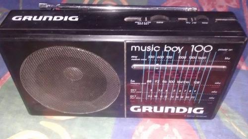 radio portatil grundig music boy 100  a pila funciona $ 950