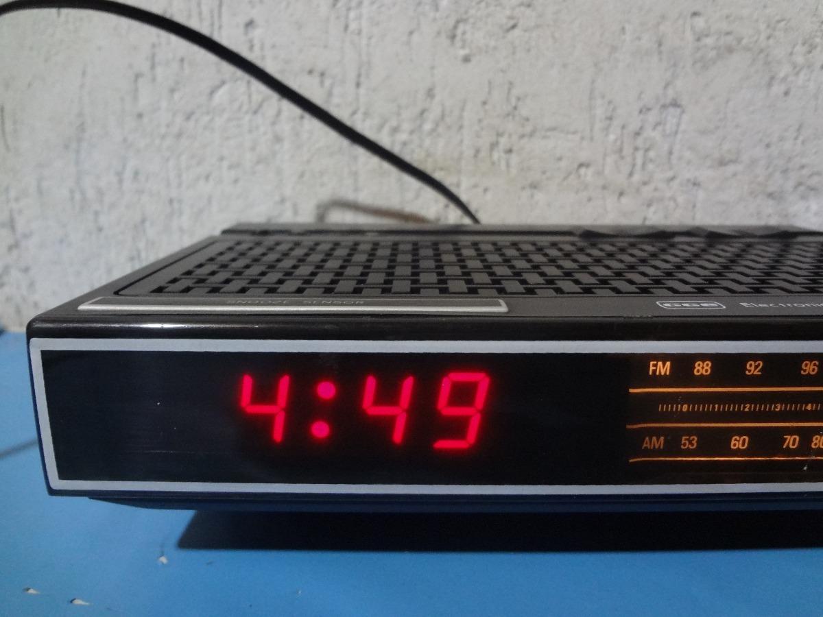 6e3380f9255 rádio relógio cce dle 300 - funcionando tudo !! Carregando zoom.