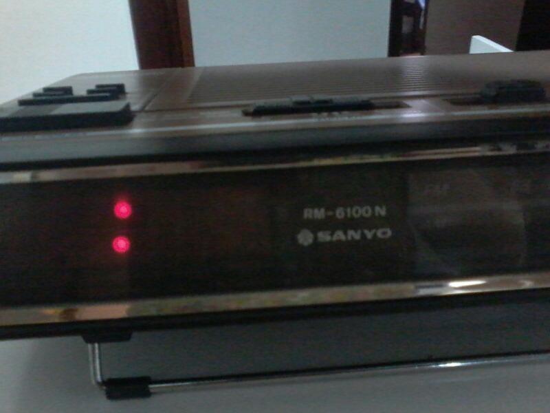 c886bf7317f rádio relógio despertador década 80 sony. Carregando zoom.