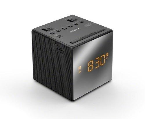 b4a4d9381cf Radio Relogio Digital Sony Icf-c1 Preta 110v Design Moderno - R  225 ...