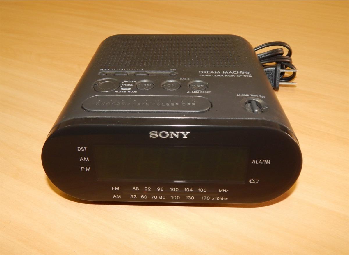 2325c88a416 rádio relógio digital sony modelo icf-c218 tudo ok. Carregando zoom.