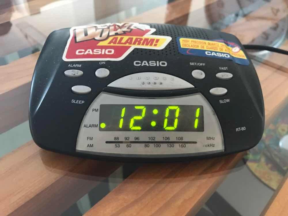 fac32cbd4fd2 radio reloj despertador casio. Cargando zoom.