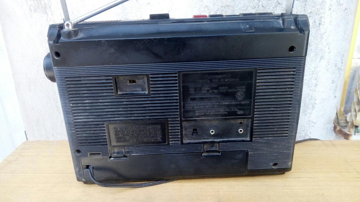 Radiograbadora Vintage Sanyo No Funciona - $ 290 00