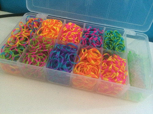 rainbow loom - kit refil 1.400 elásticos dual color + maleta