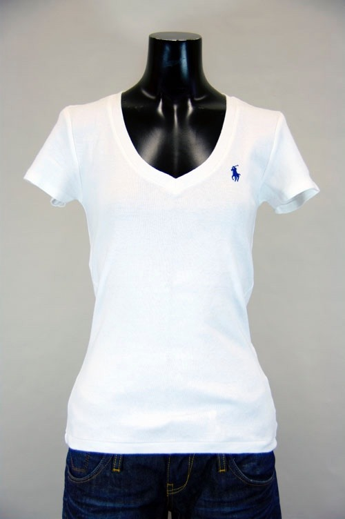3133a1ffbe Ralph Lauren - Camiseta Básica Gola V- Tamanho P - Feminino - R  85 ...