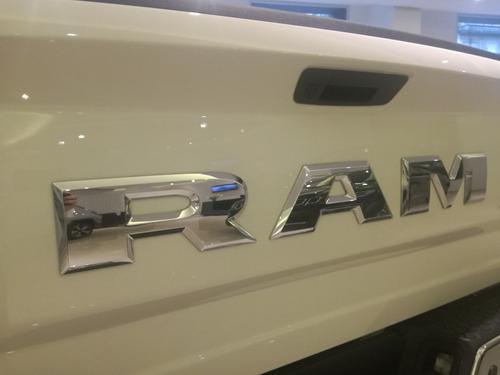 ram 1500 laramie 5.7 l automática 6 velocidades 11