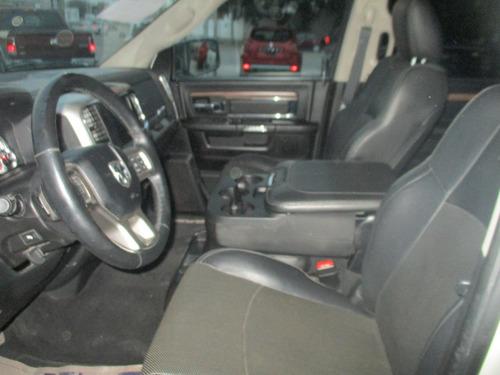 ram 2500 crew cab laramie v8, 4x4, color blanco, modelo 2017