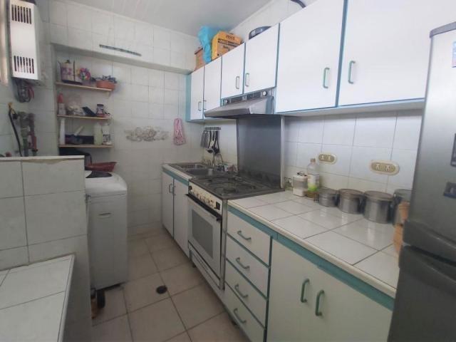 ramiro e. ruiz vende apto en san bernardino mls #20-10453
