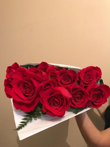 ramo de flores 12 rosas + bombones, peluche envio gratis