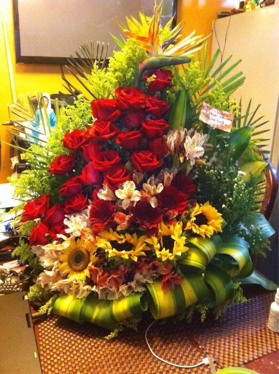 Ramo de flores de 24 rosas grande de lujo bs - Ramos de flores grandes ...