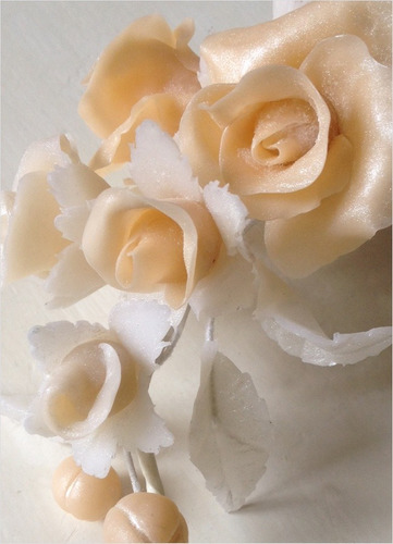 ramo de flores para decoración en porcelana fría