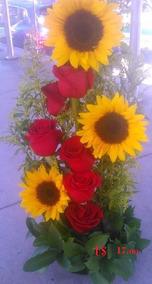 Girasoles Y Rosas Arreglo De Flores Lá Florería A Domicilio