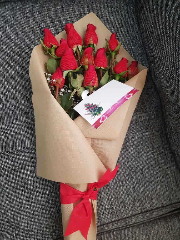 ramo o caja de rosas feliz dia del amor aniversario s 70 00 en