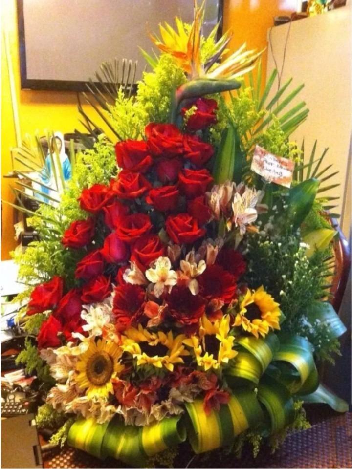 Ramos De Flores Gigante De 24 Rosas Bs 10400000000 en Mercado