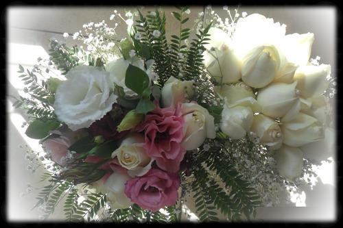 ramos de novia bouquet o cascada. centros de mesa, iglesias