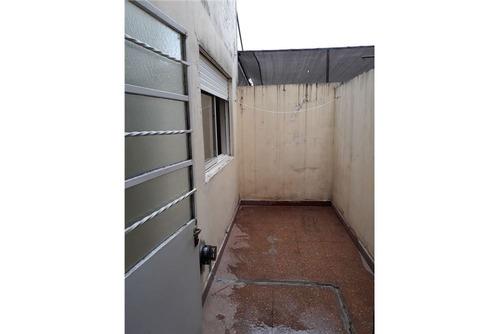 ramos mejia - ph de dos ambientes con patio - 51 m²