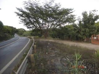 rancho a bordo de carretera a un km de divisadero