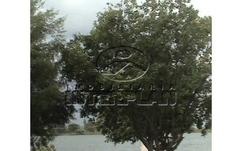rancho no condomínio riviera de santa barbara em buritama