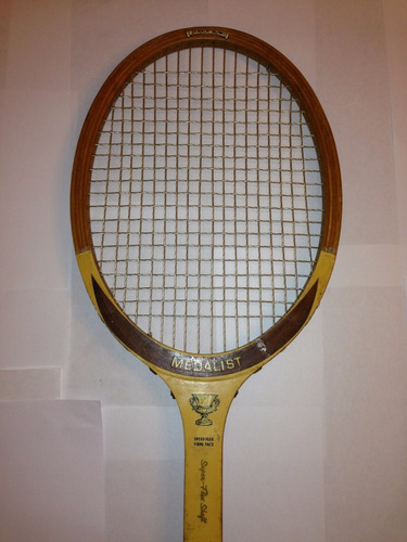 raqueta de tenis antigua medalist strato bow