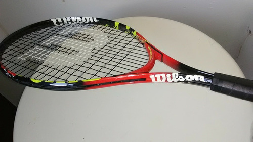 raqueta de tenis marca wilson