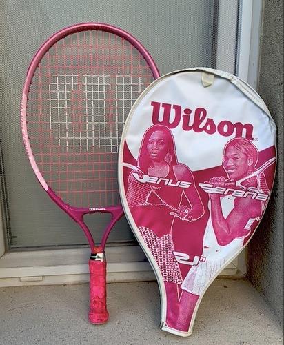raqueta de tennis marca wilson color rosa + funda protectora