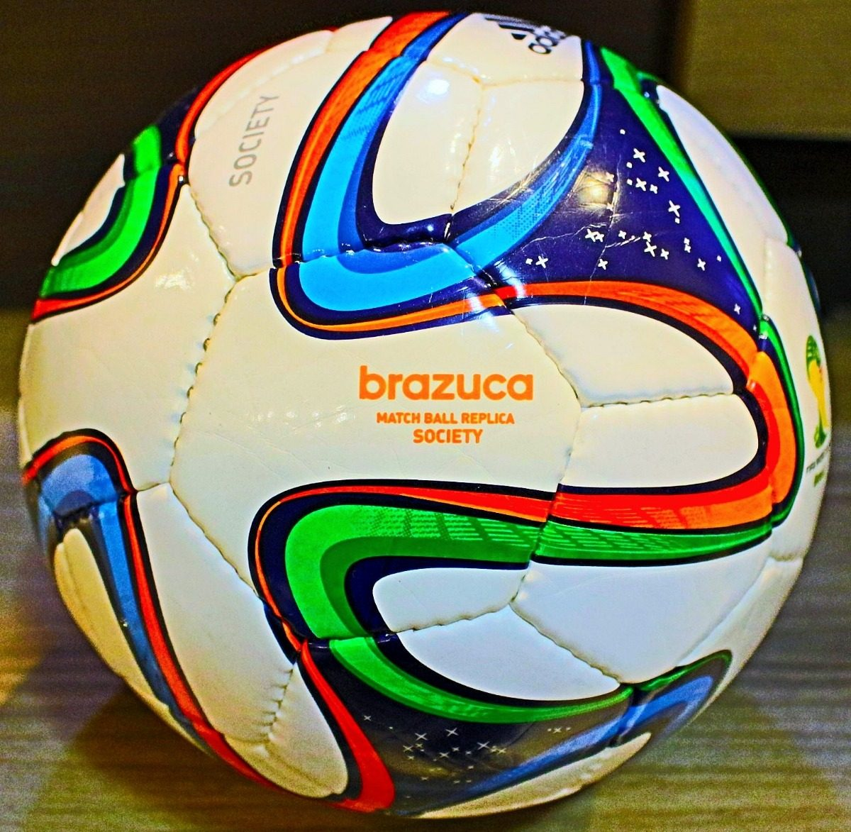 1e2fa9d594 rara bola adidas brazuca society câmara e bico novos. Carregando zoom.