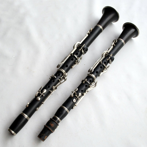 raríssima dupla de clarinetes antigos em dó e mib (requinta)