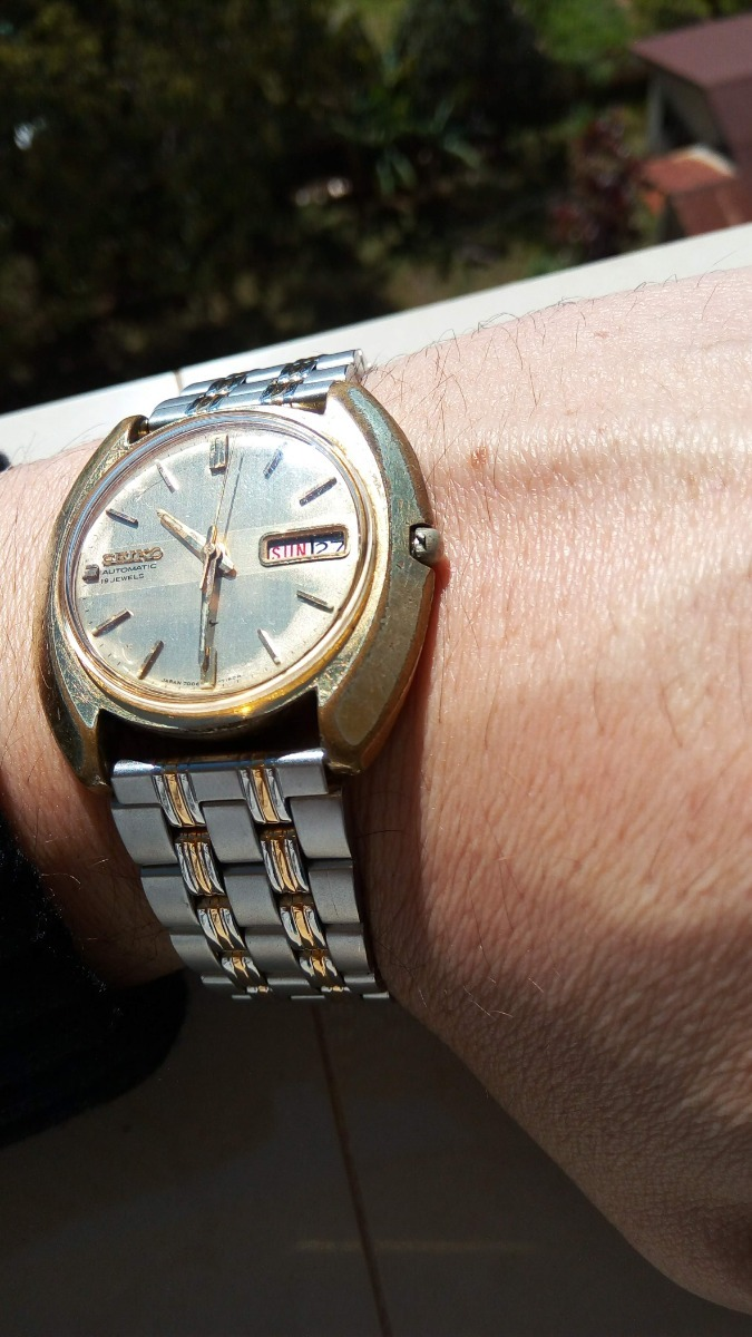 f123527add1 raríssimo seiko 19 jewels 7006-7080 gold edition ouro. Carregando zoom.