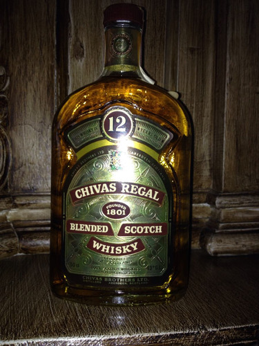 raro-rótulo chato-whisky chivas regal 12 years-bot.80's-43%