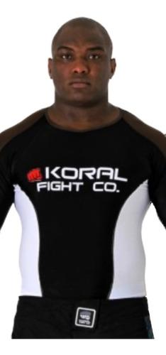 rash guard koral co plus marrom preto
