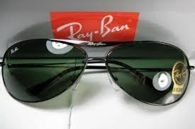 3b8647b928e8f Óculos De Sol Ray Ban 8015 Armação Preta Lente Verde - R  115,00 em ...